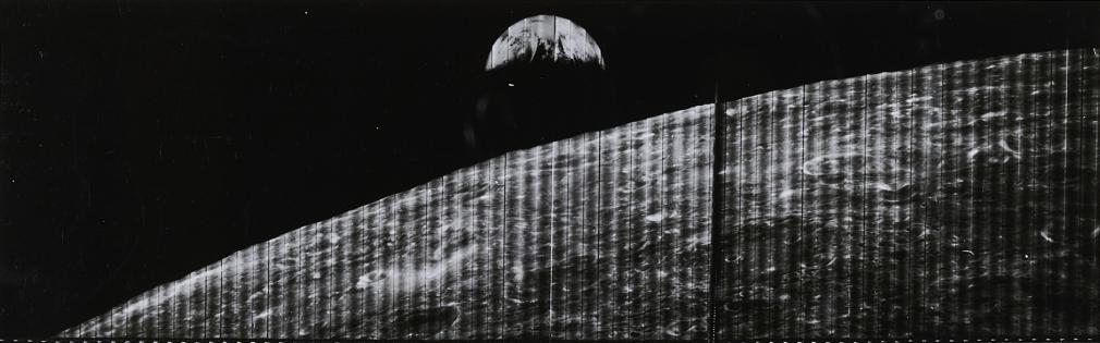 Lunar-Orbiter-1
