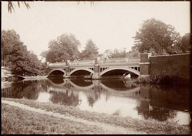 Zola_pont-du-weybridge-1898